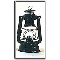 Laquered oil lamp